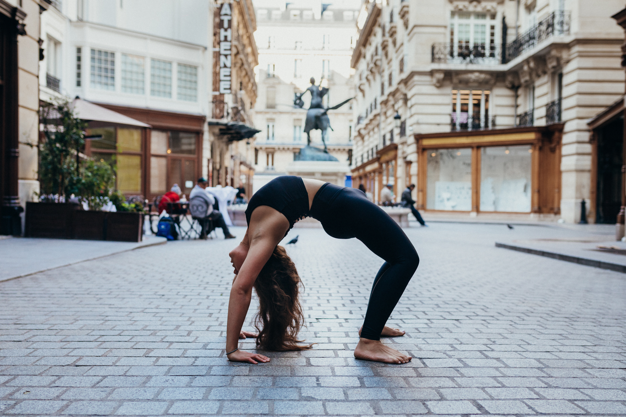 Yoga Teacher Training Paris - Amelietahiti2.png