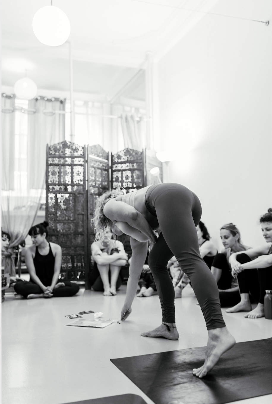 Yoga Teacher Training Paris - Amelietahiti14.png
