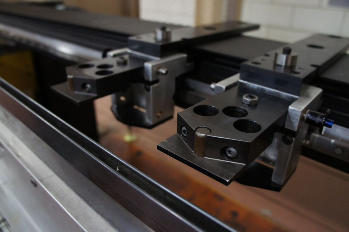 Backgages   Precision 5-axis Backgage