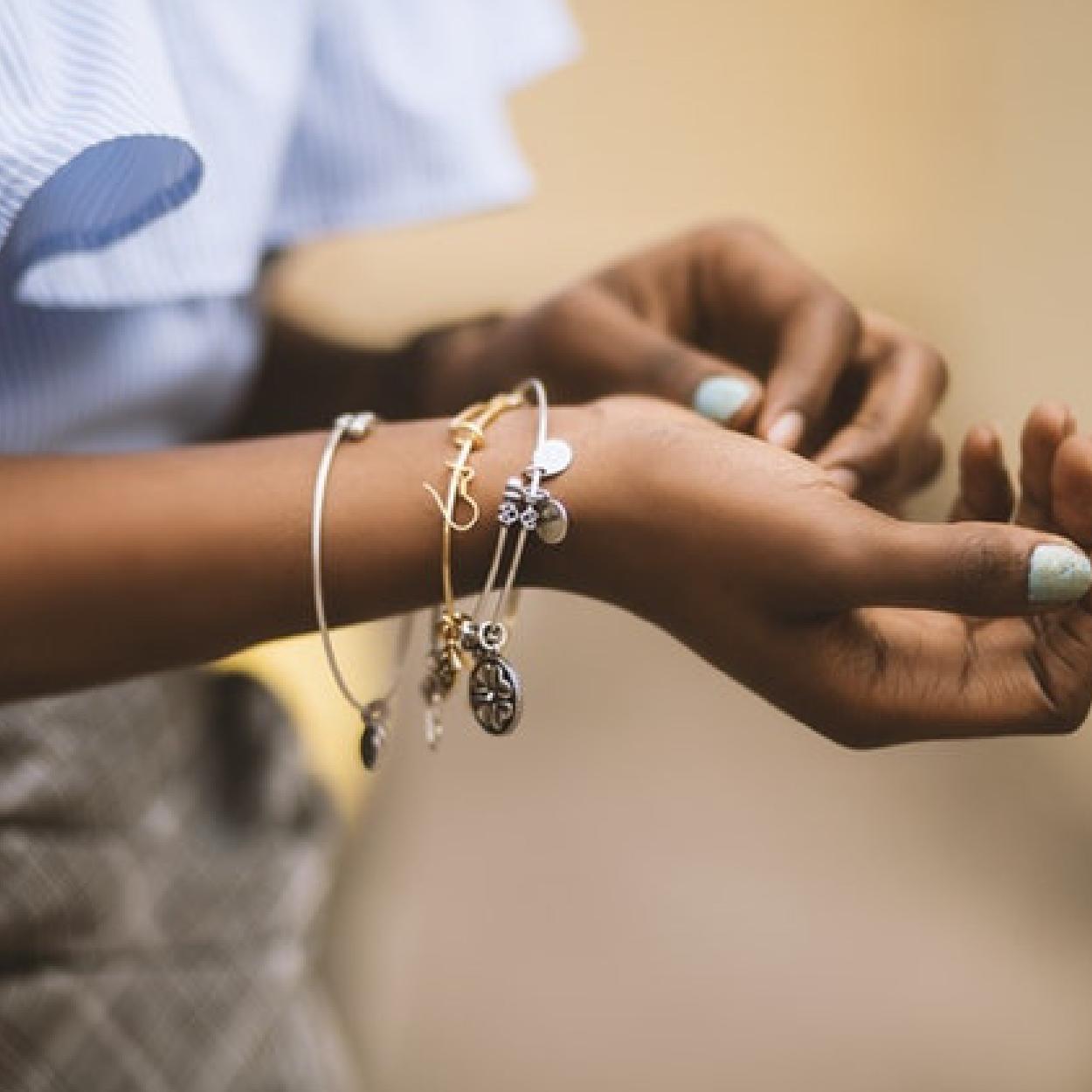 Side Hustle Series Interview: My Jewelry Side Hustle