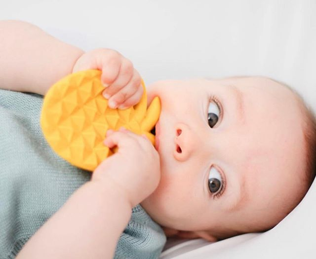 The Lanco pineapple has a unique texture, easy to grasp and a perfect shape for teething. #pineapple #lancopineapple #lancotoys #naturalrubbertoys #handmadetoys #sustainabletoys #summerfruit