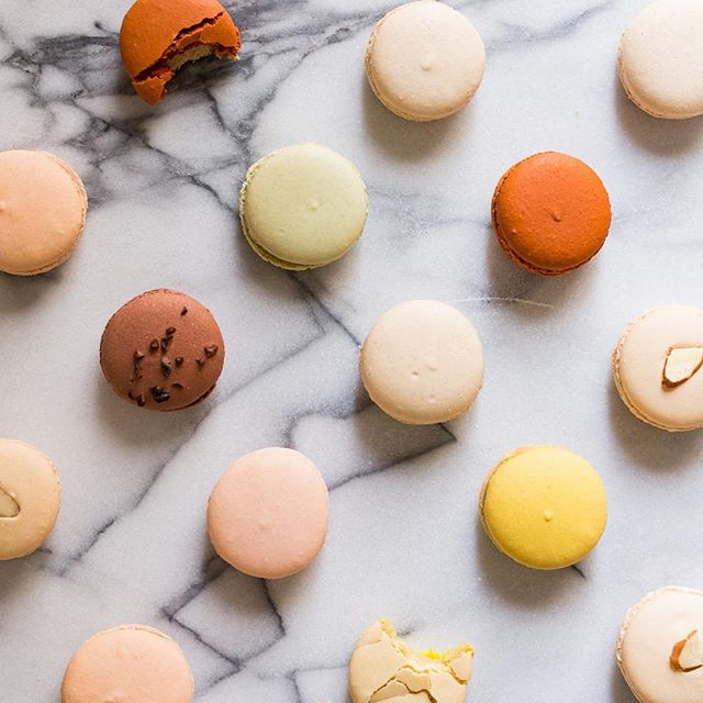 TruthTalk: I'm not a fan of macaroons. #donthate #truthtime ⠀ .⠀ .⠀ .⠀ .⠀ .⠀ .⠀ .⠀ .⠀ ⠀ #thatsdarling #darlingmovement #darlingweekend #livethelittlethings #zooeyasweare #theeverygirl #therverydaygirl #communityovercompetition #risingtidesociety #makewavesmonday #glitterguide #tilinsiders #theinstagramlab #girlboss #girlpreneur #airbnb #glitterguide #myairbnb #austintexas #austin⠀
