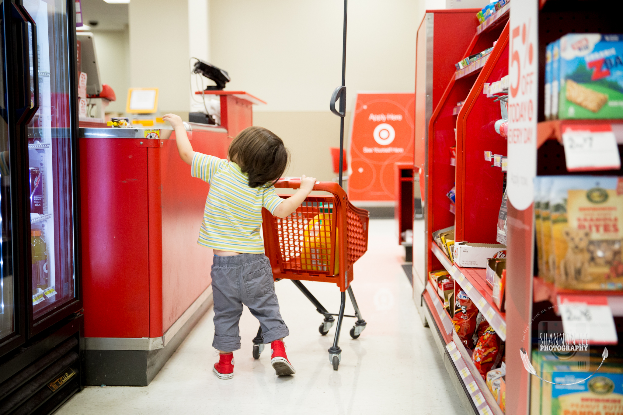 target-little-red-shopping-cart-shannon-lee-photography-long-island-New-York-1090.jpg