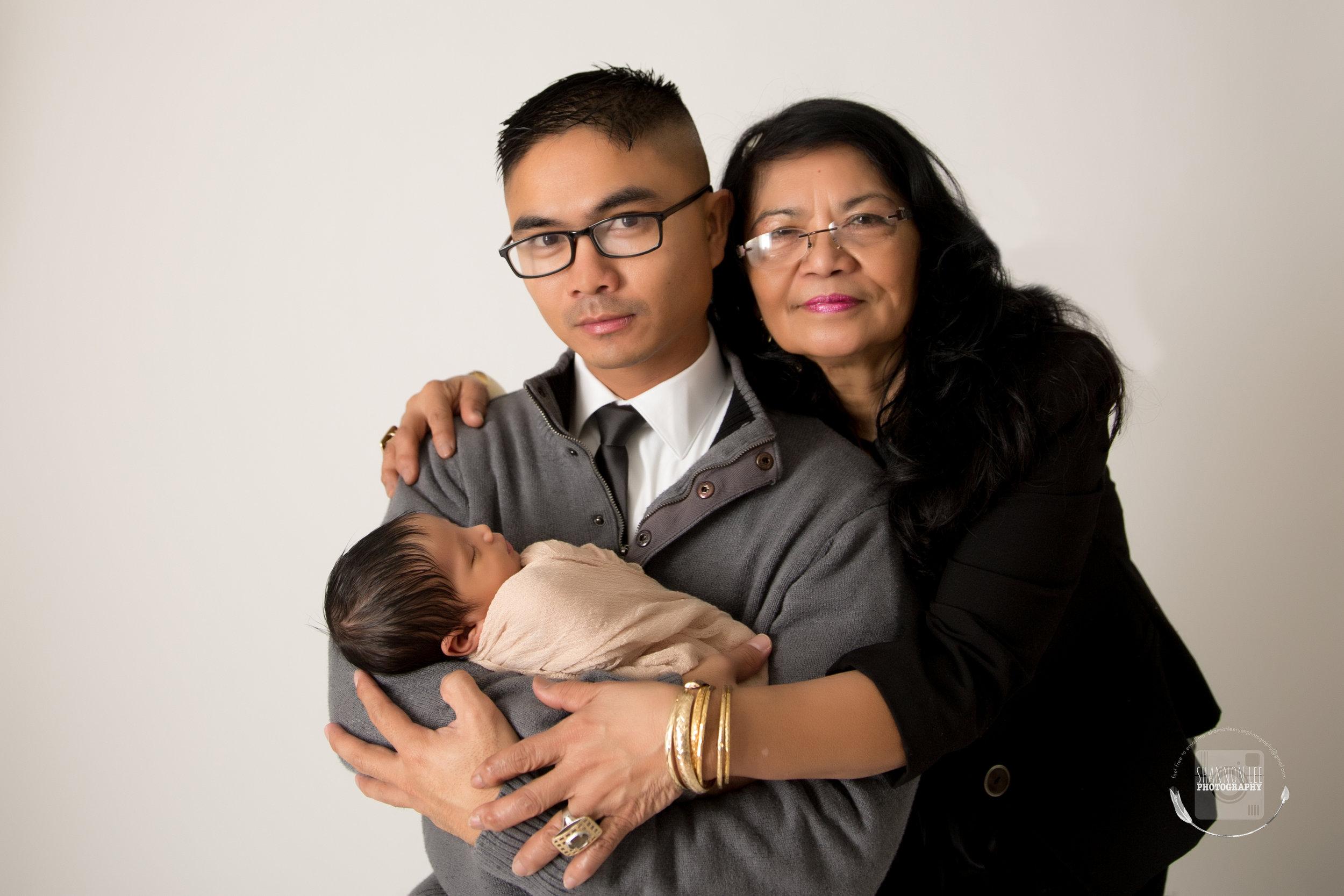 Three Generation Newborn shoot | Studio |Portrait