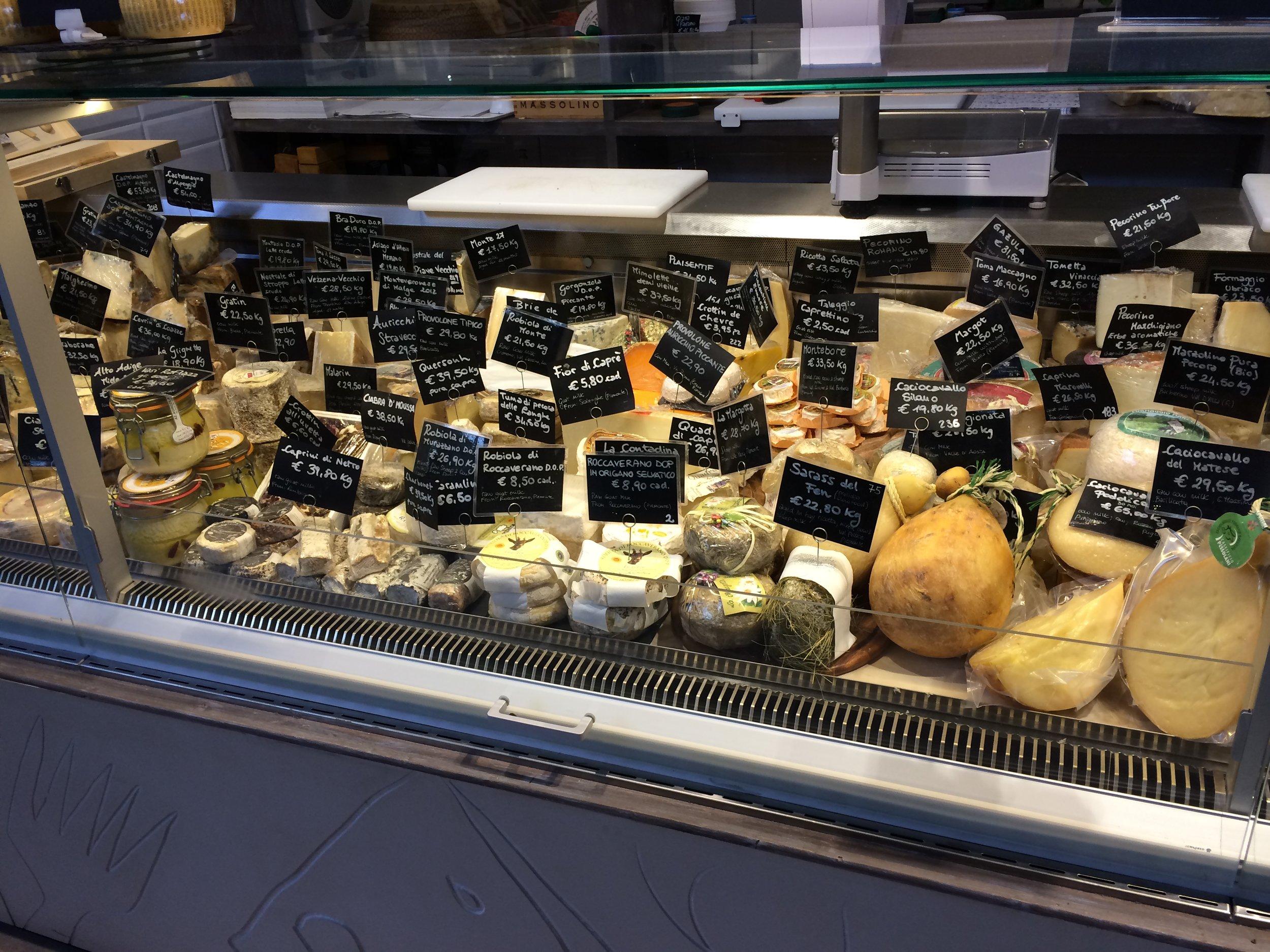 a175 Mercato Centrale cheese.jpg