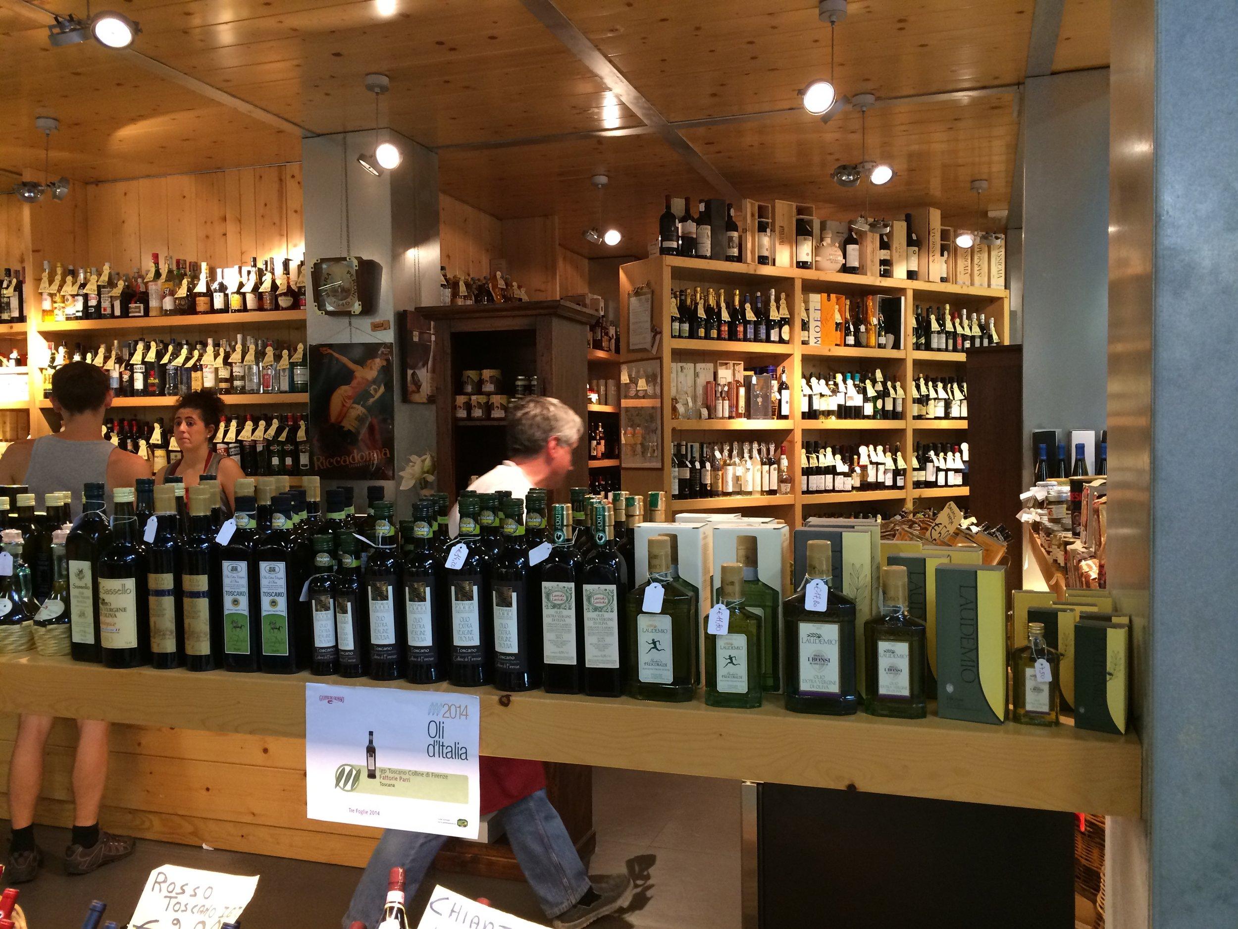 a171 Mercato Centrale wine.jpg