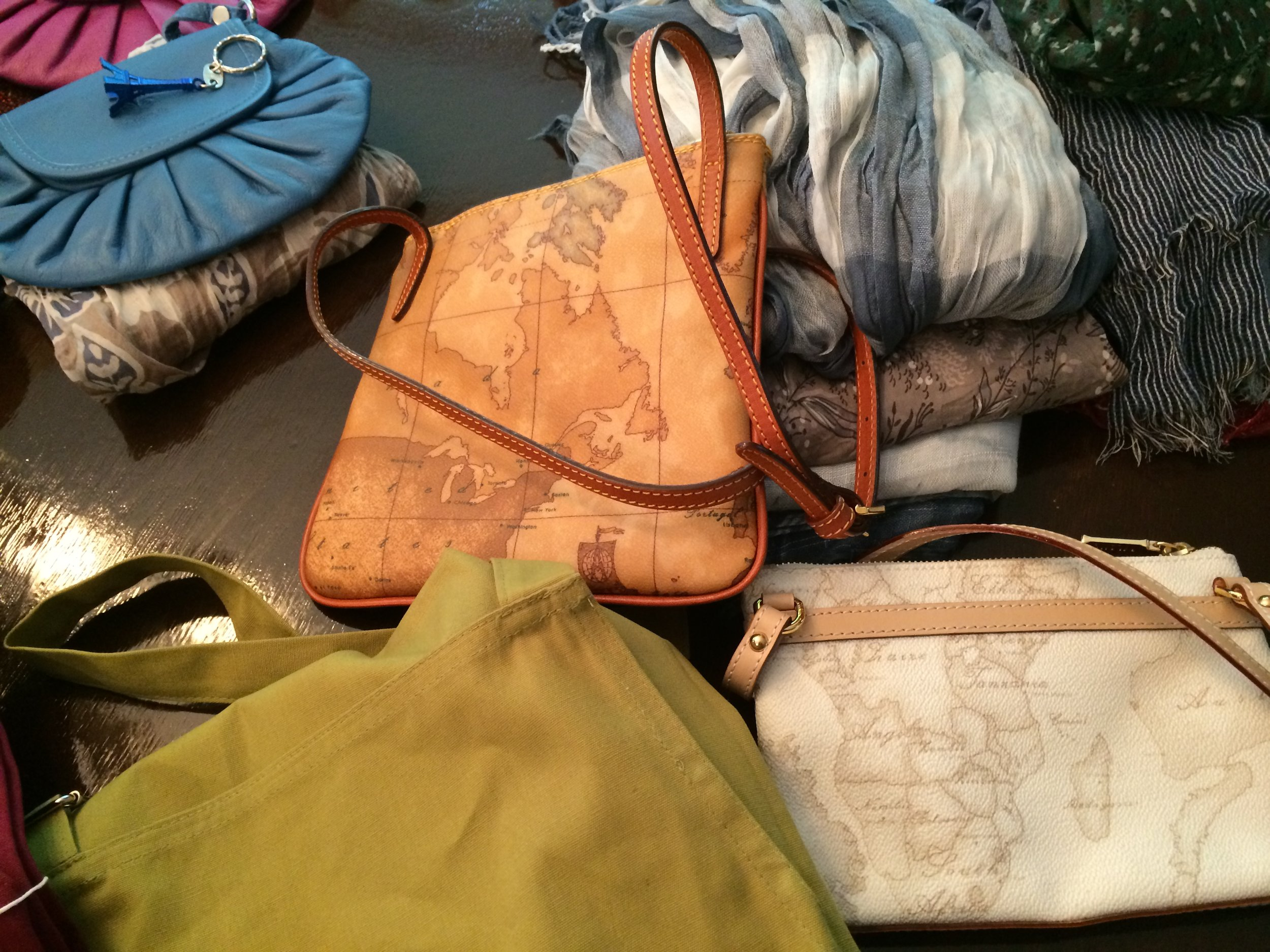 1412 nice Italian purses....jpg