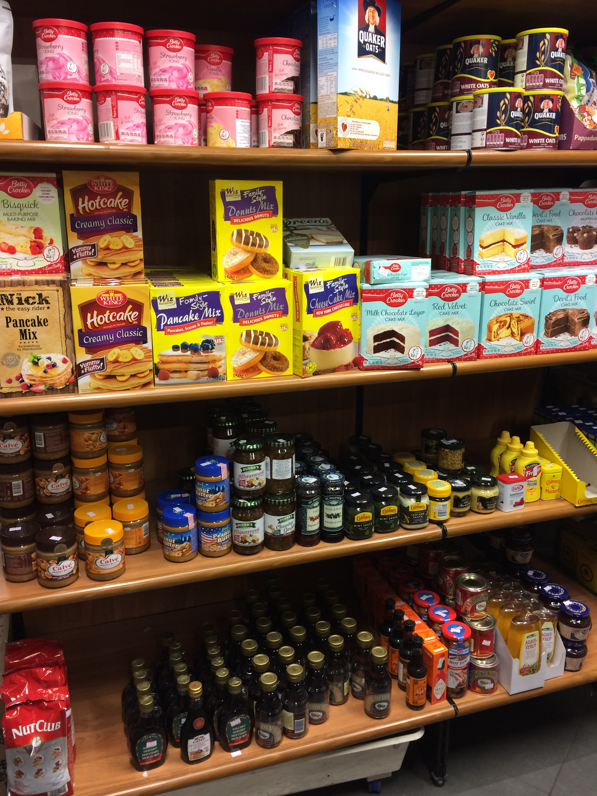 "The ""American"" Section at Vivimarket…yes! Betty Crocker strawberry frosting, I have missed thee! Not."