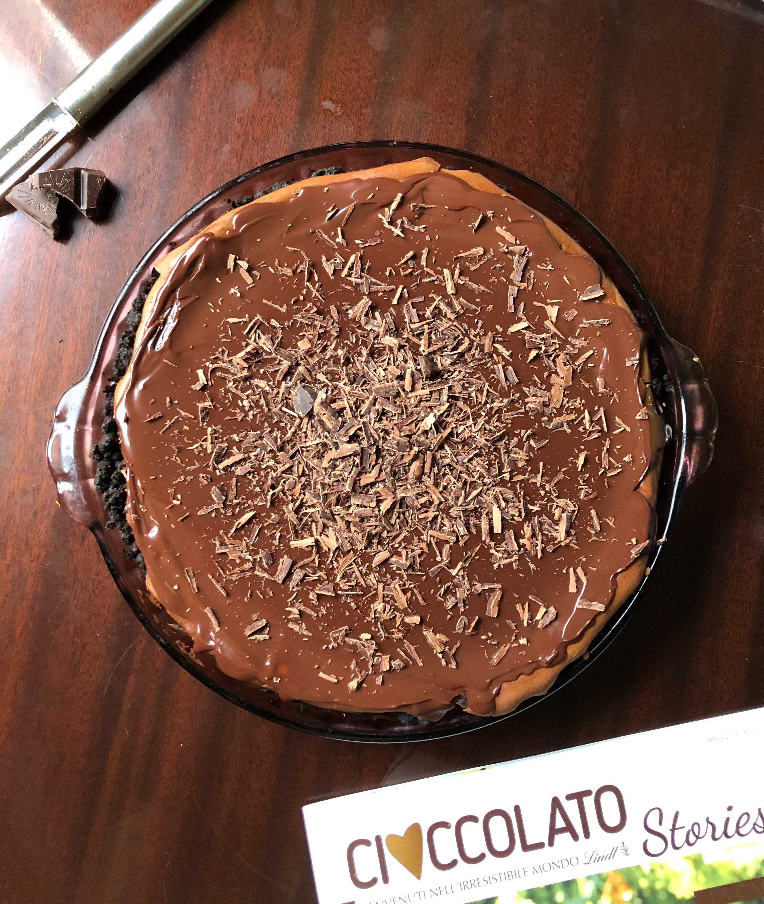 Proof that you don't need a springform pan to bake a cheesecake