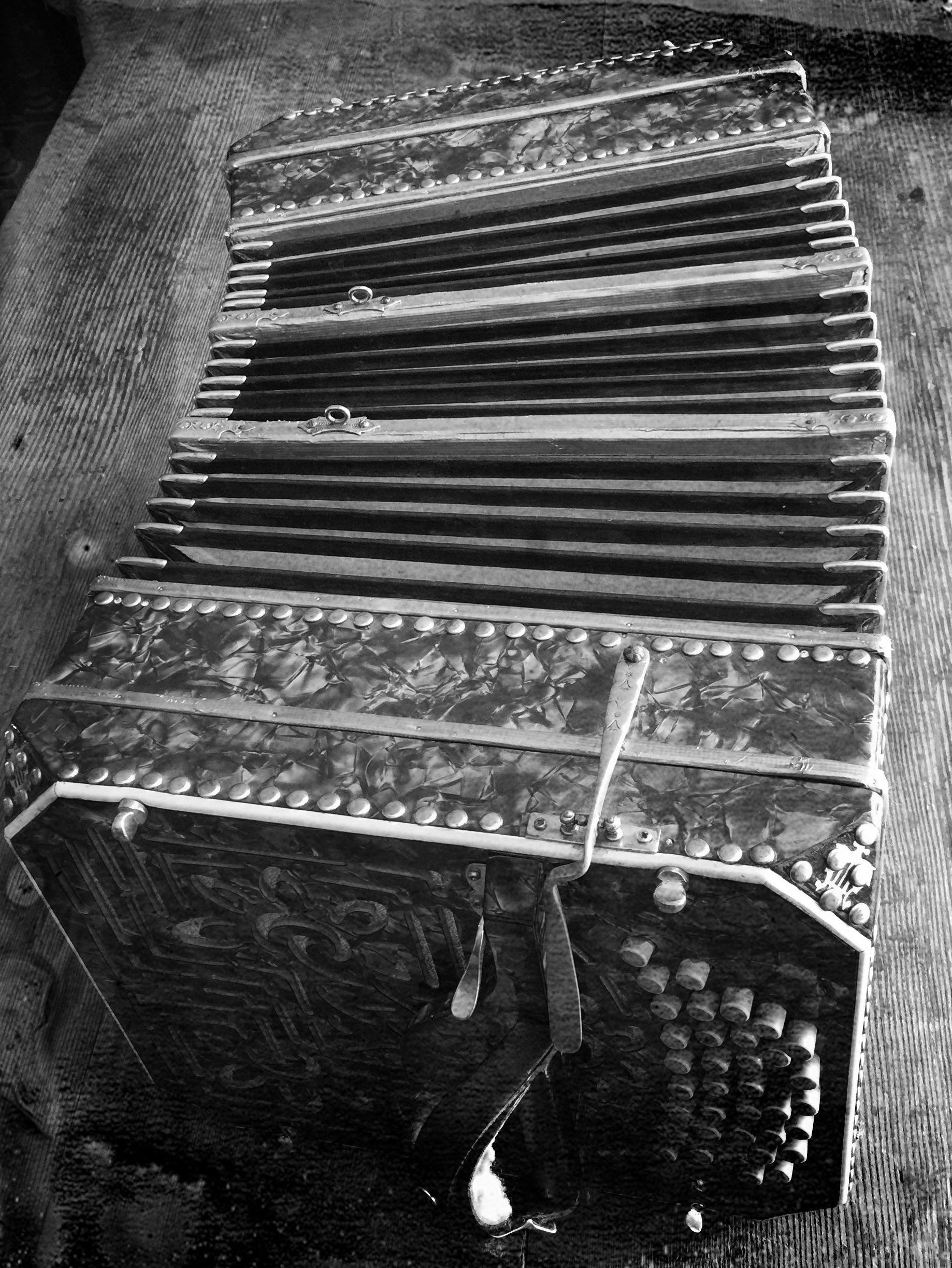 bandoneon.bw.IMG_7368.jpg