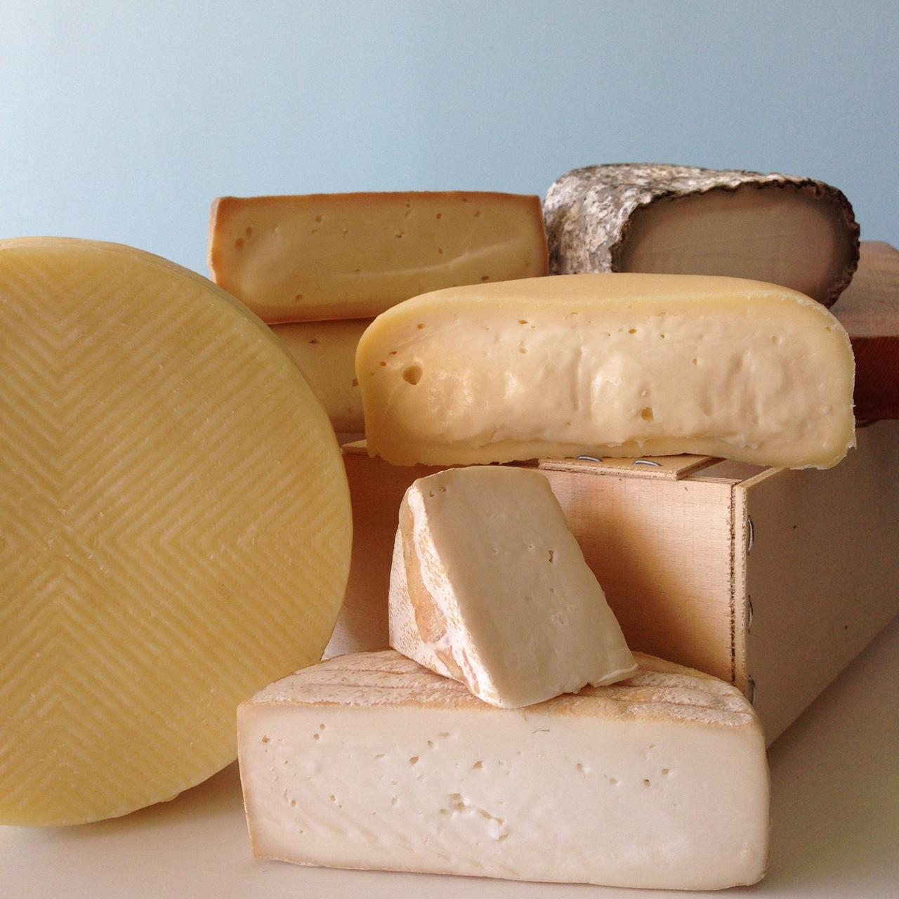 spanish cheeses.JPG