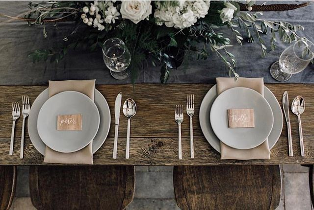I know it's been forever since I've posted so here's a stunning photo of a recent styled shoot at Candlelight Ridge. This rustic palette is definitely getting me in the mood for fall. And so are the wood place cards 👌