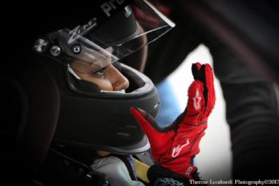 Helmet Gloves.png