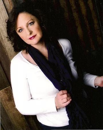 felicity baldock vocal coach, grace notes singers