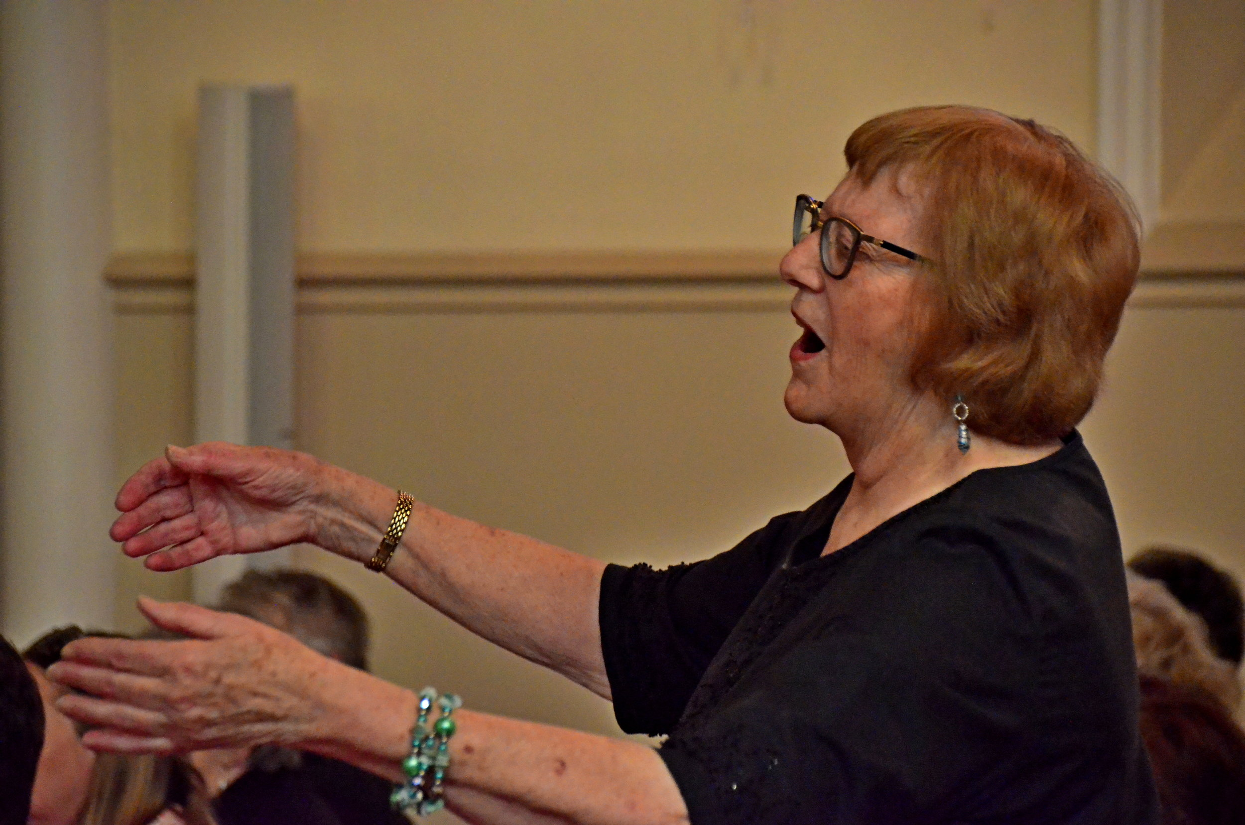 faye dumont with melbourne women's choir