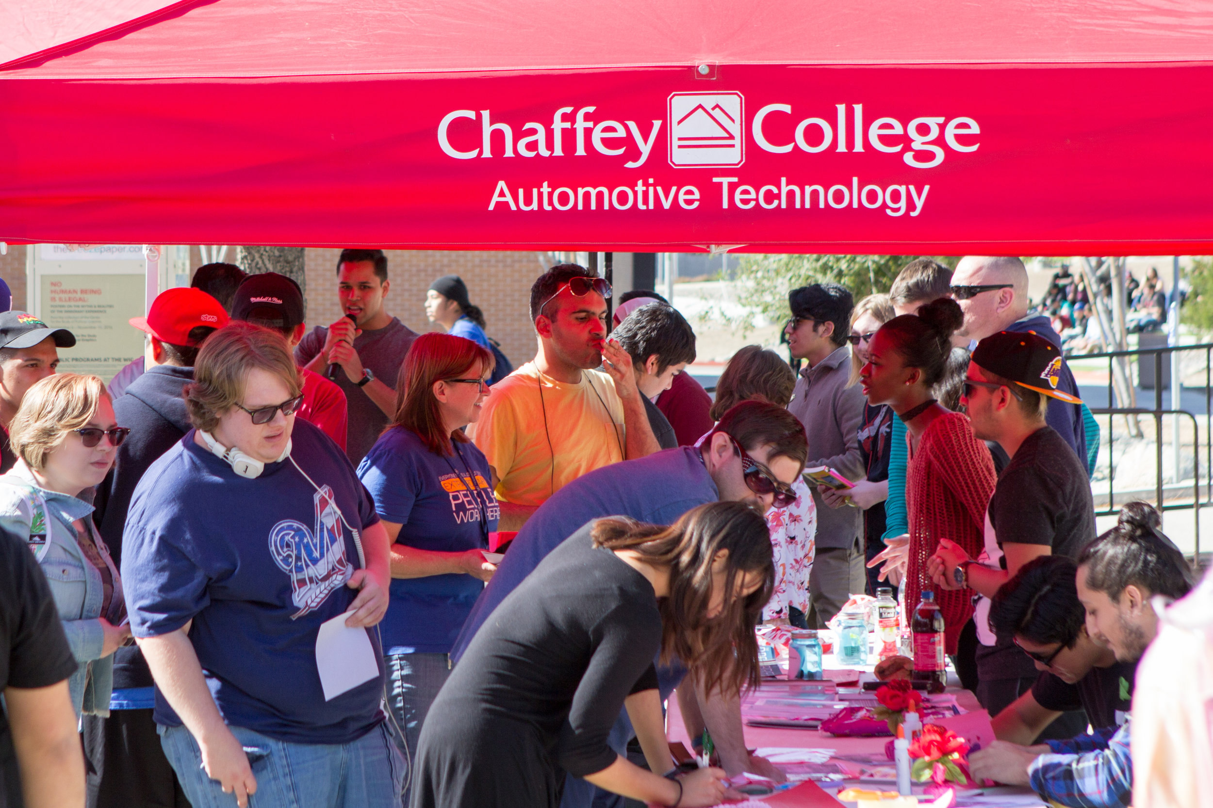 Students gather around to sign up for clubs at the Club Rush event on   Wednesday, Feb. 1, 2017. Photo by Christopher Santee.
