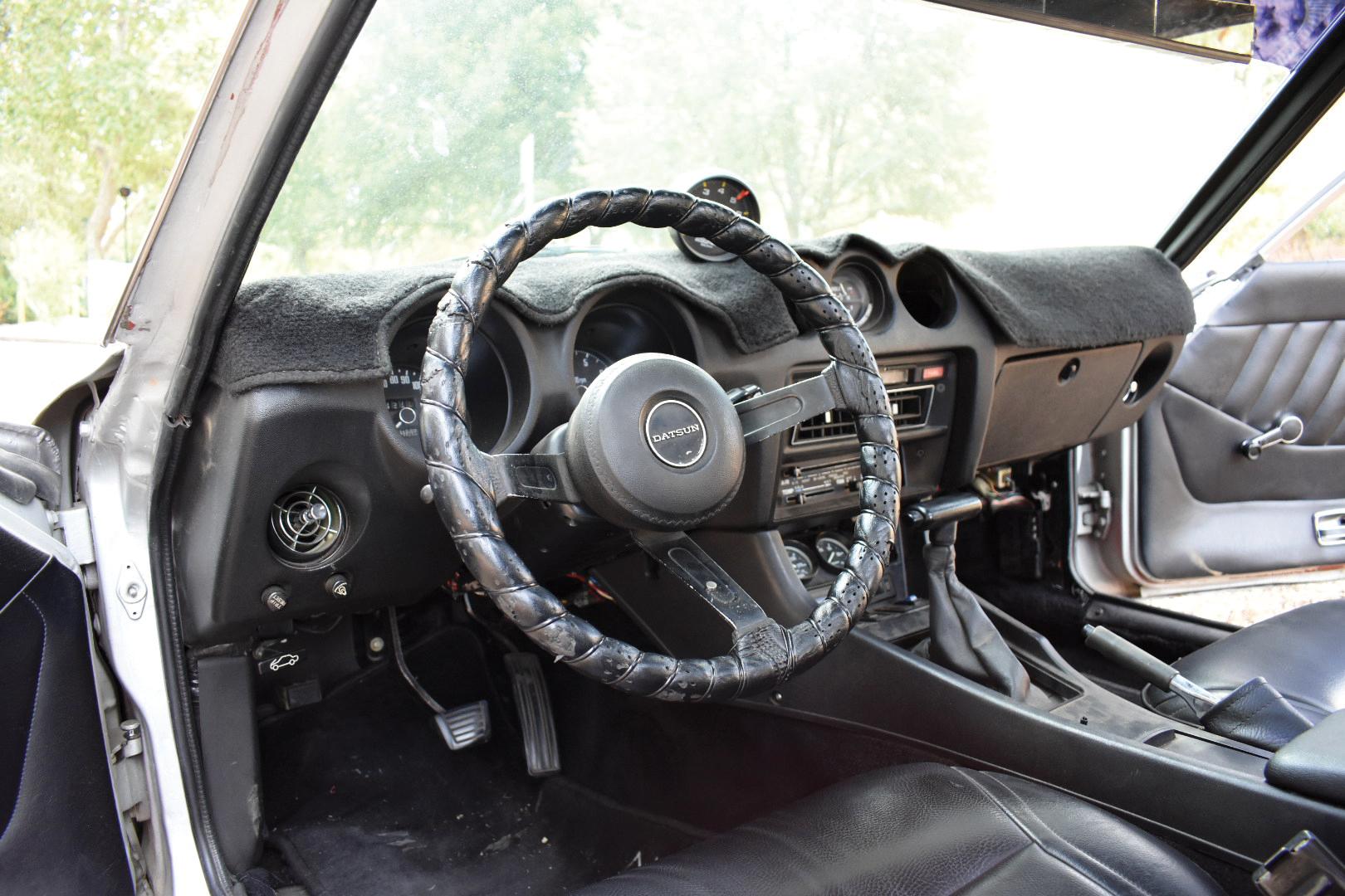 INTERIOR SHOT (DRIVER).jpg