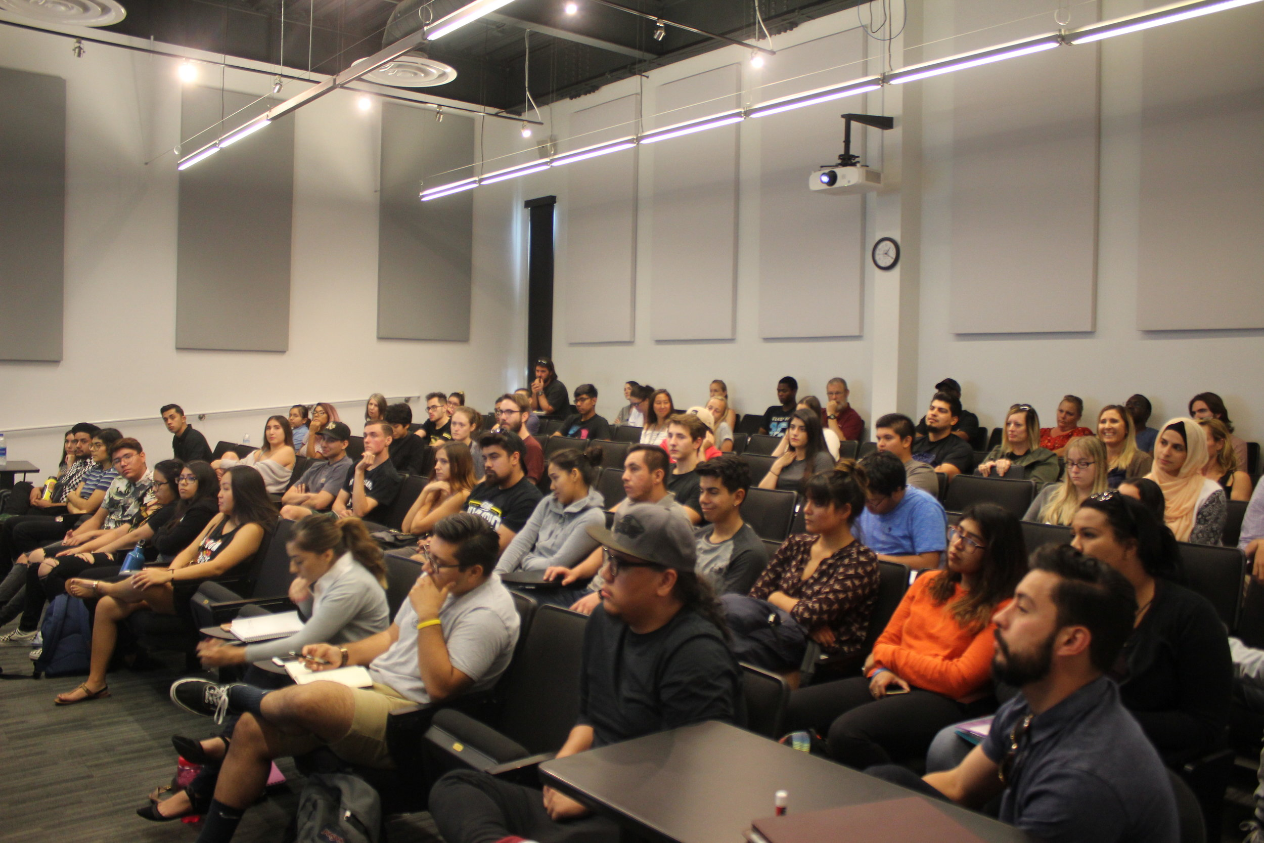 Students, faculty and staff attend the Violence Prevention Aftermath forum on October 18, 2017. Photo/Hector Solorzano.