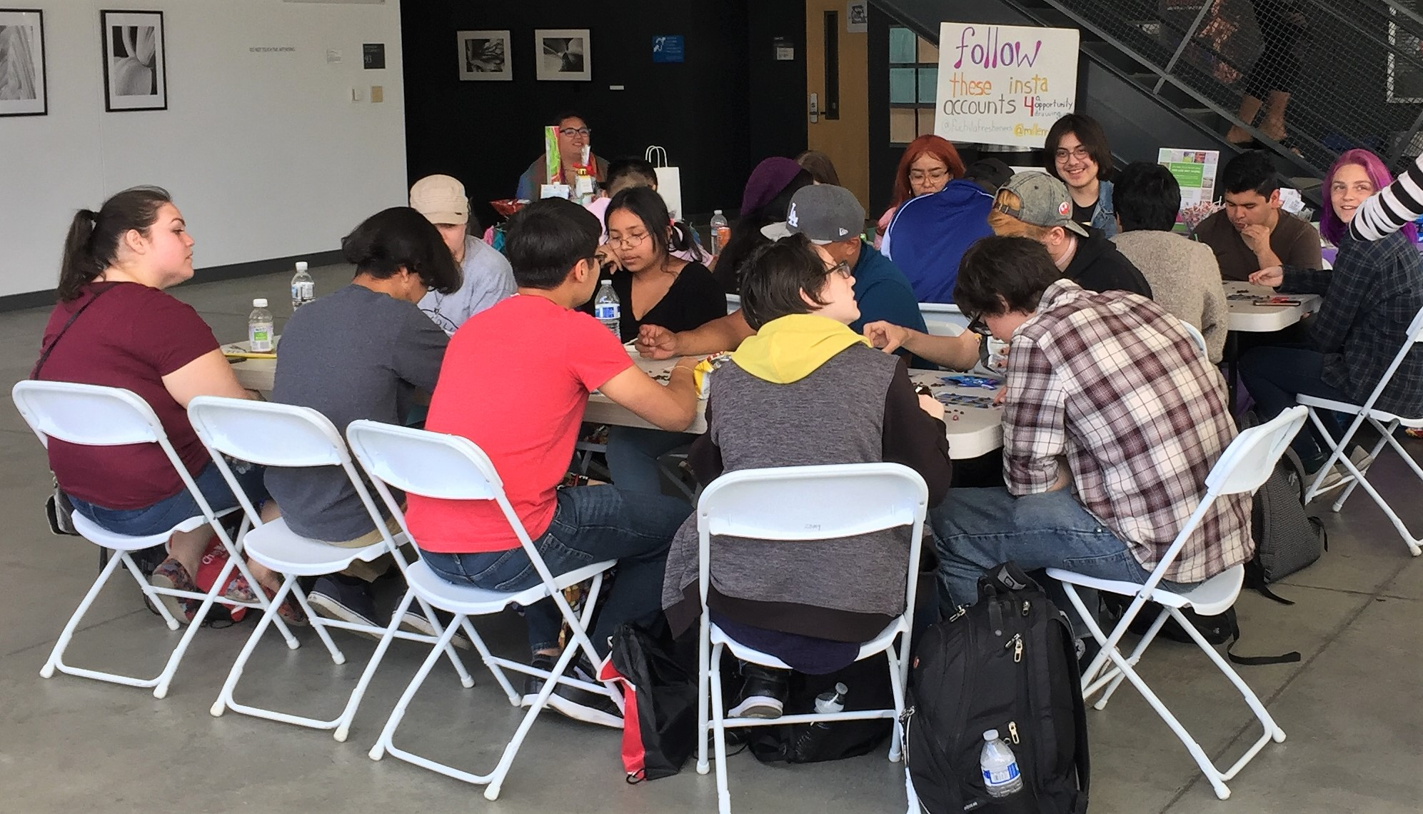 Seats and board games filled up as many panthers came to participate in the Millennial Loteria event.
