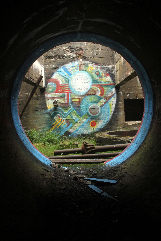 03_KyleBustin_Campbellton_2015_Spray and house paint on concrete_3.7 x 3.7 x 4 m_$0.jpg