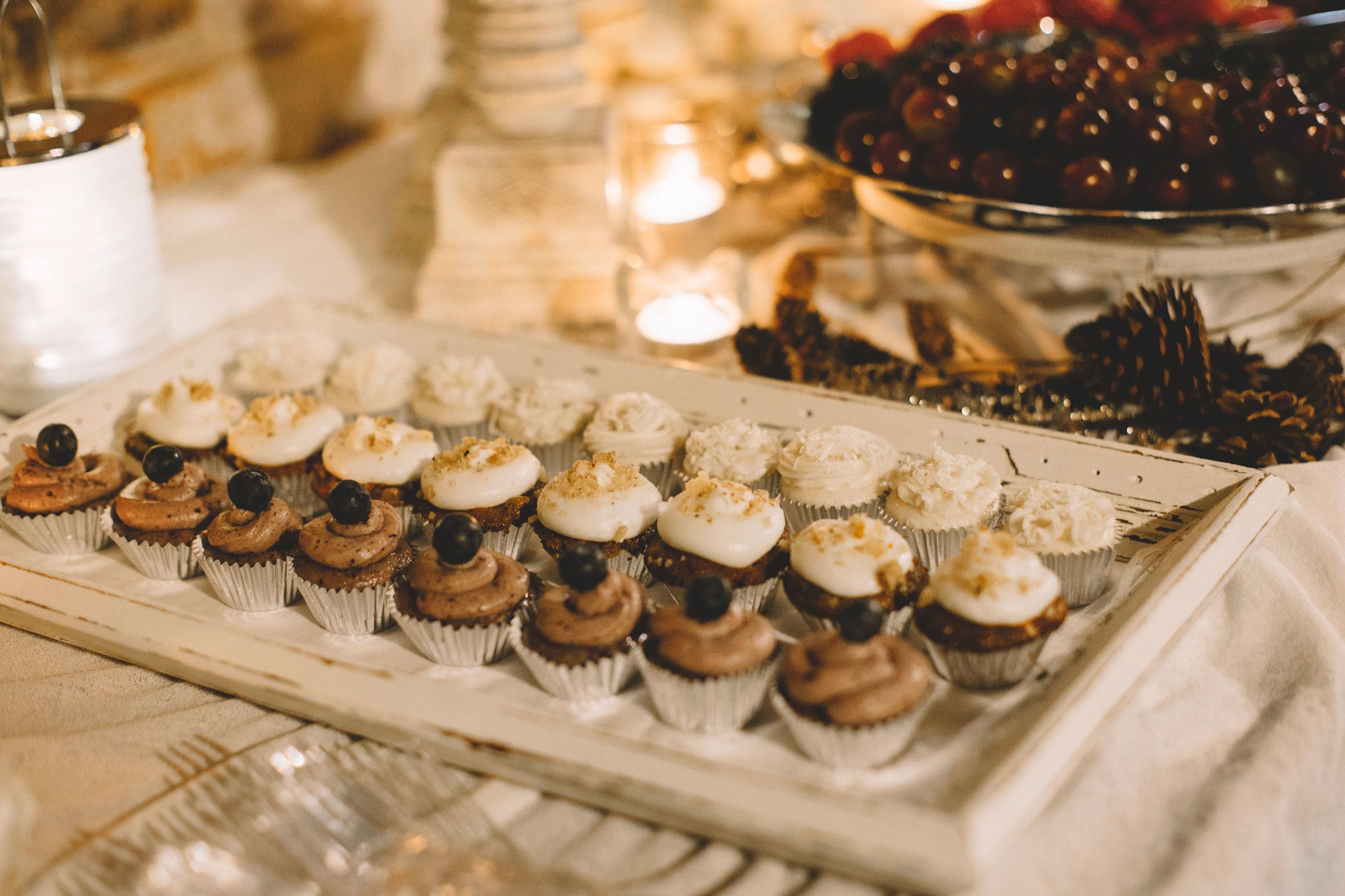 Jake + Brittney Balbas Airbnb Carriage House Wedding Evansville IN (405 of 426).jpg