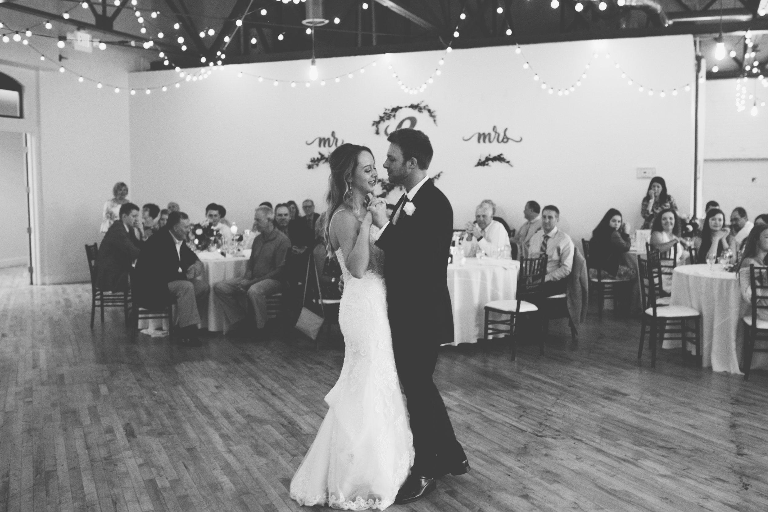 Mitch + Elizabeth The Pointe Wedding Louisville KY  (796 of 1023).jpg