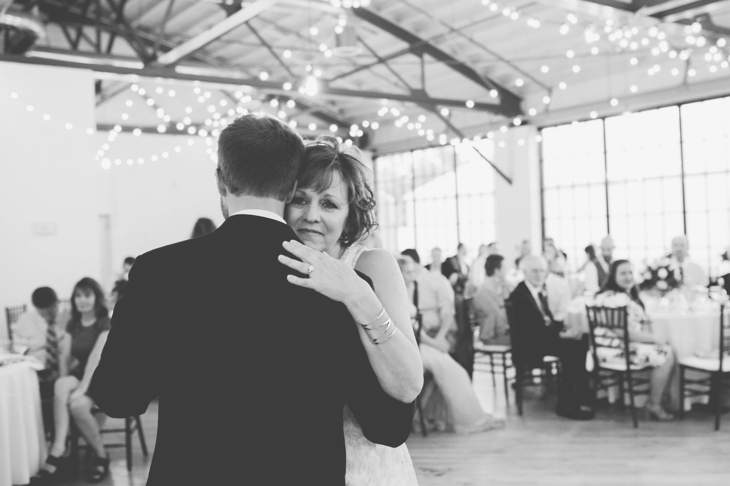 Mitch + Elizabeth The Pointe Wedding Louisville KY  (824 of 1023).jpg