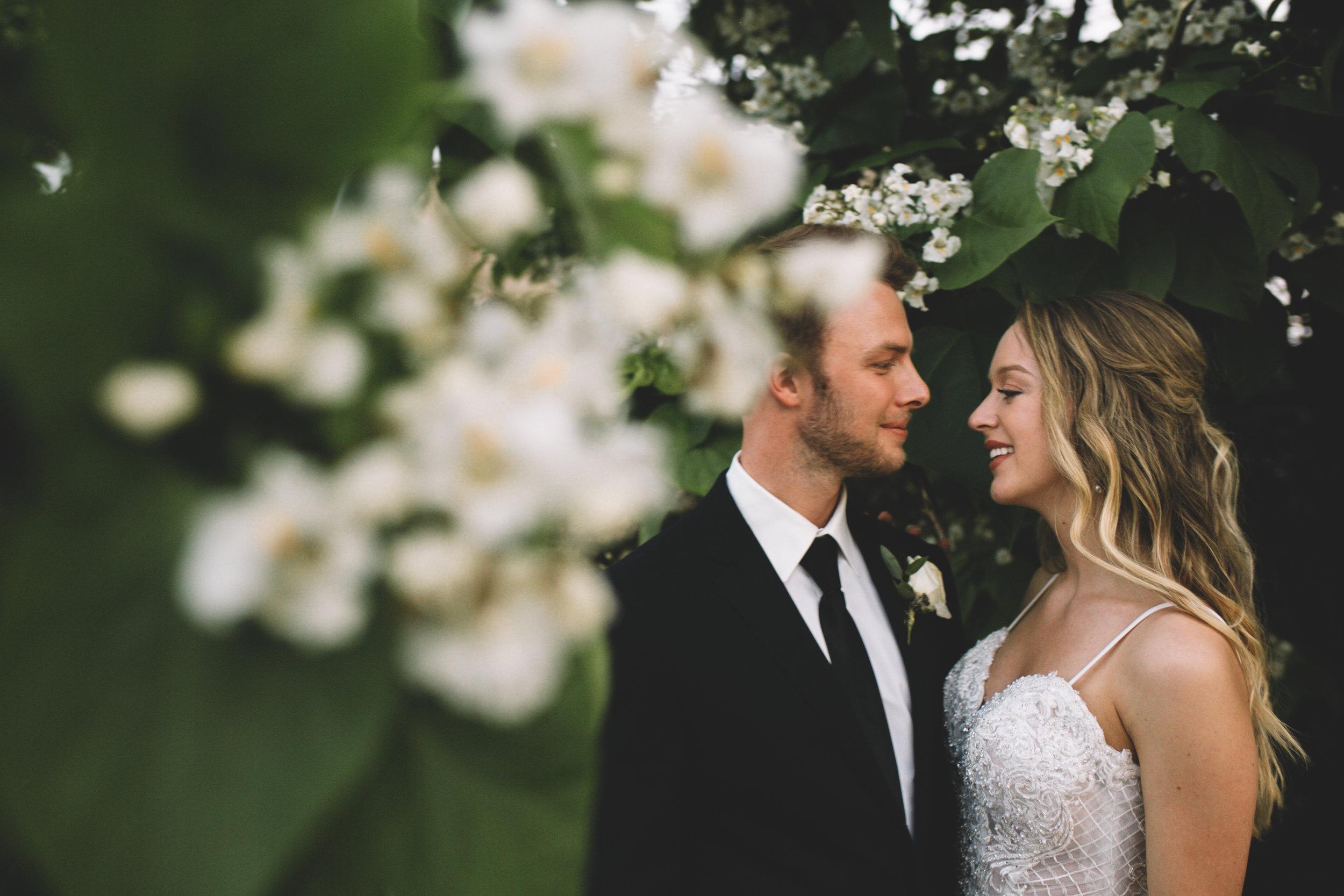 Mitch + Elizabeth The Pointe Wedding Louisville KY  (884 of 1023).jpg