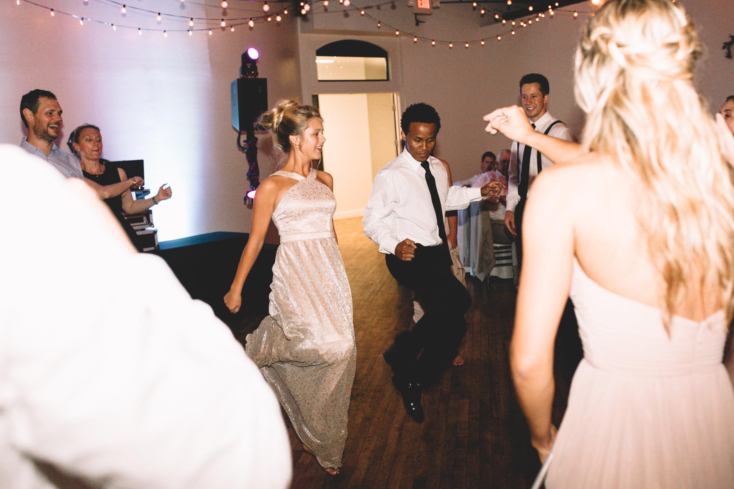 Mitch + Elizabeth The Pointe Wedding Louisville KY  (989 of 1023).jpg