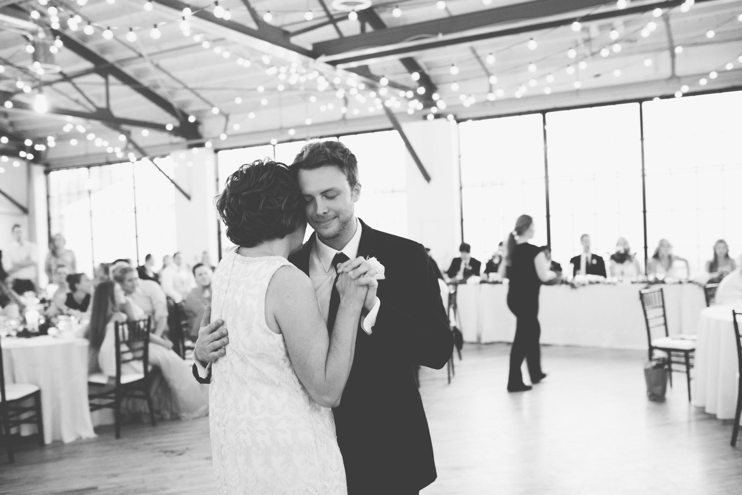 Mitch + Elizabeth The Pointe Wedding Louisville KY  (822 of 1023).jpg