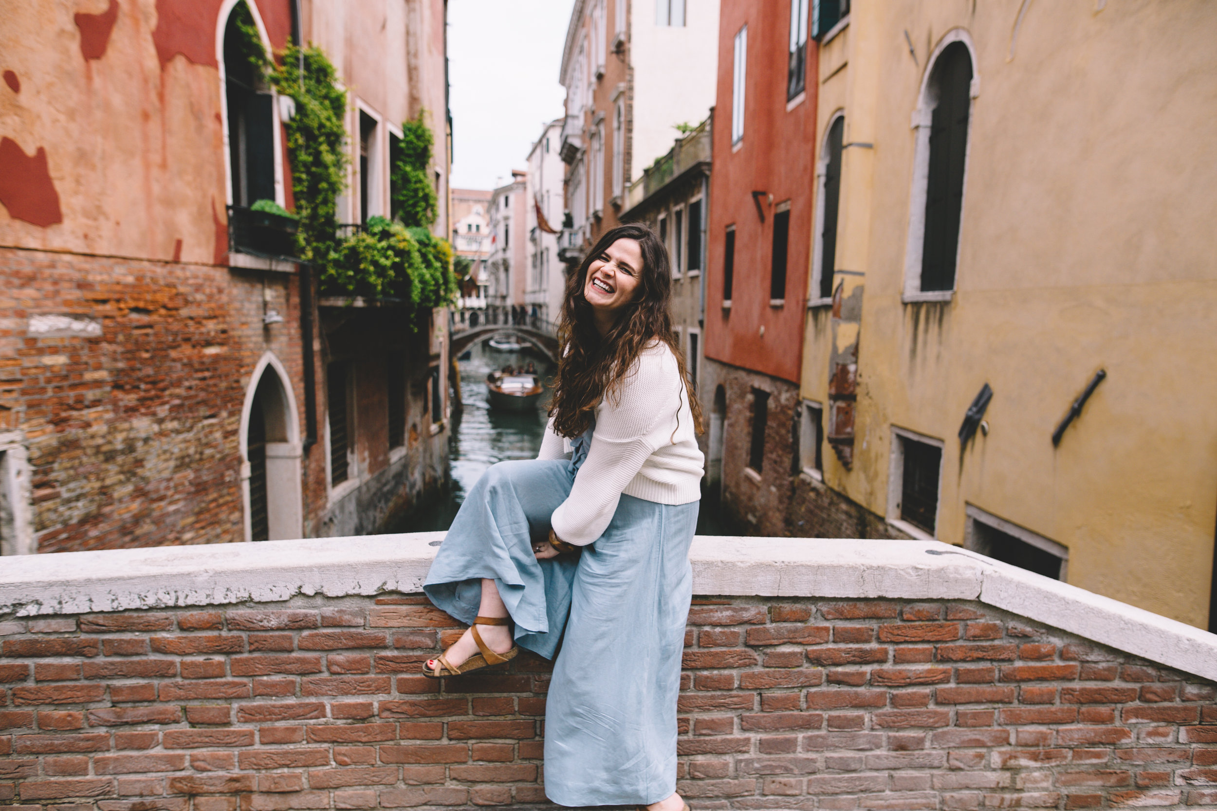 Blog Venice Italy Canals Maternity Photos (7 of 9).jpg
