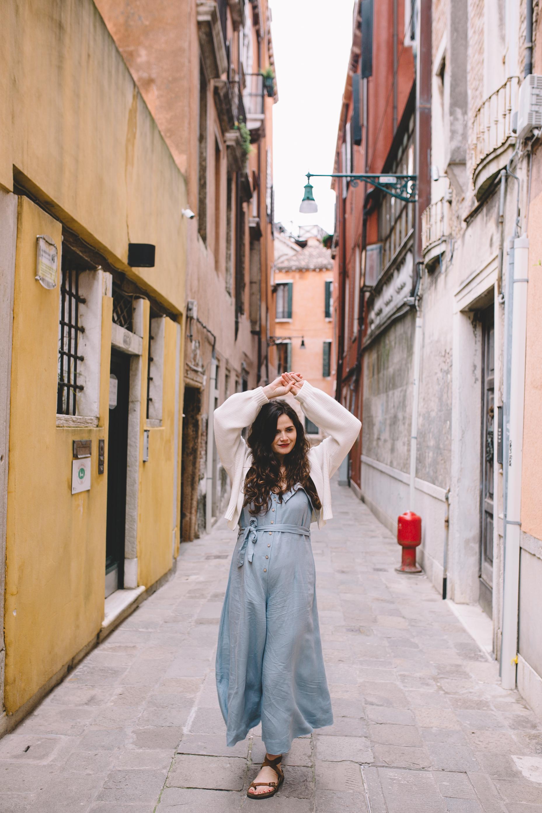 Blog Venice Italy Streets  (4 of 6).jpg