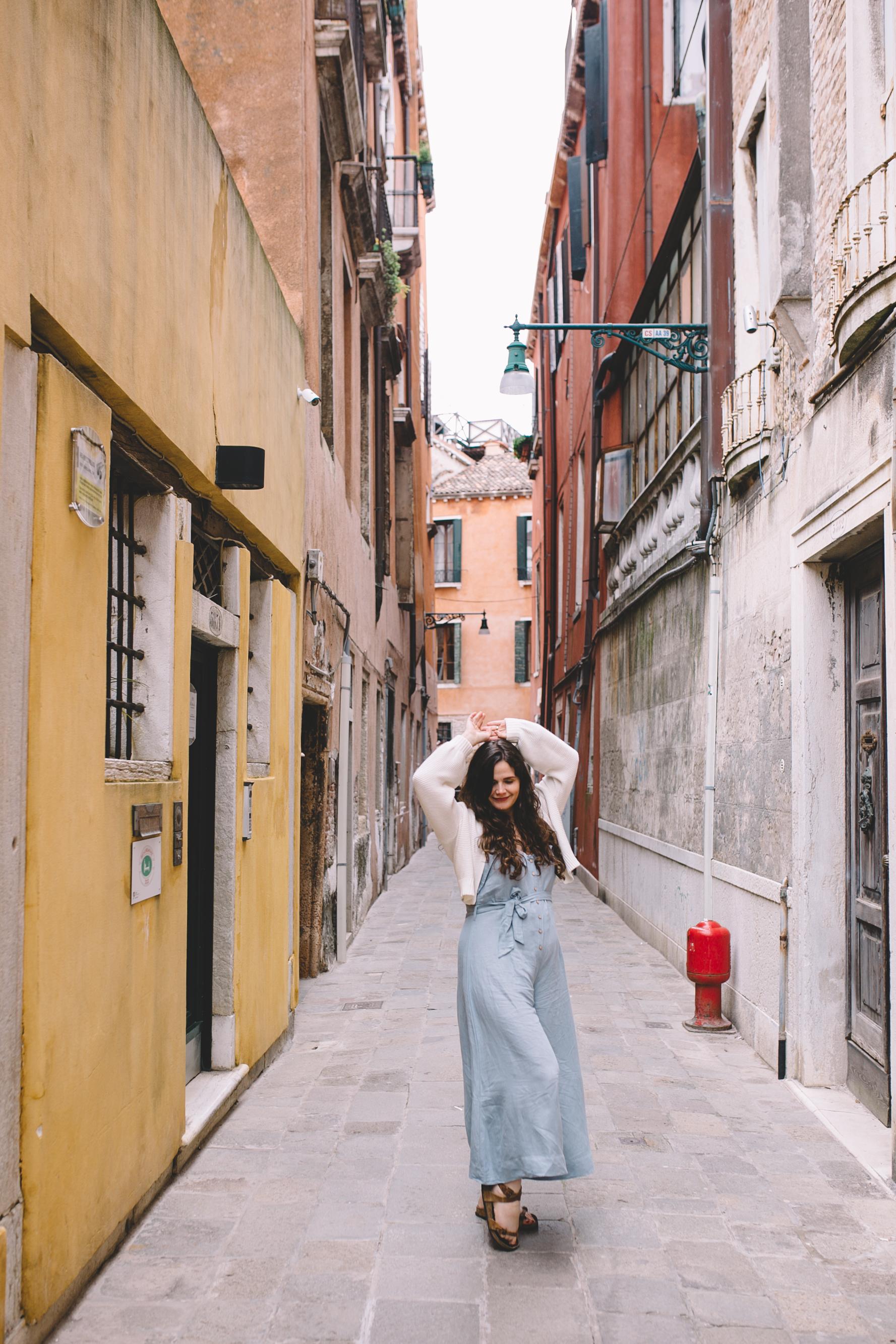Blog Venice Italy Streets  (5 of 6).jpg