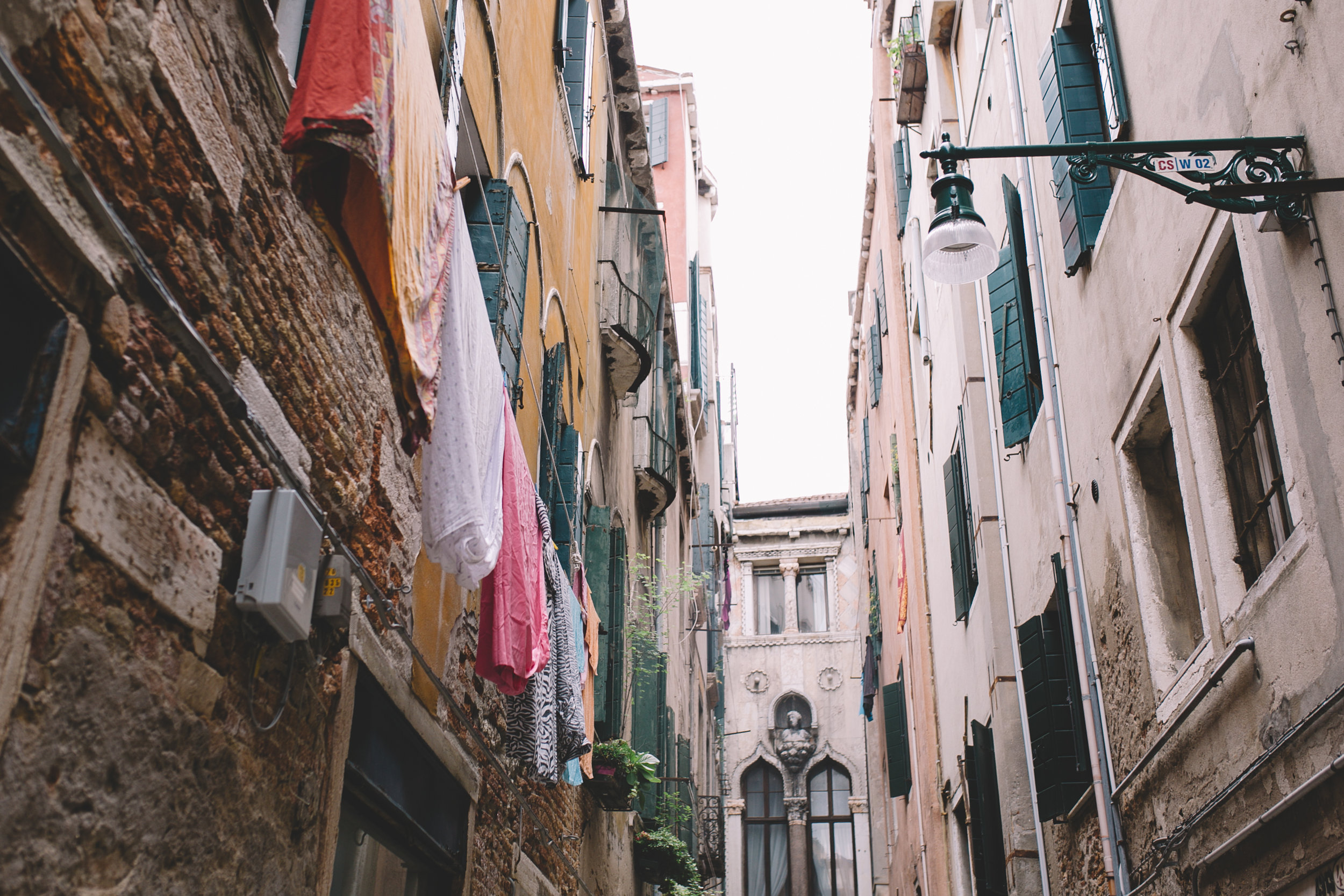 Blog Venice Italy Streets with Laundry  (5 of 5).jpg