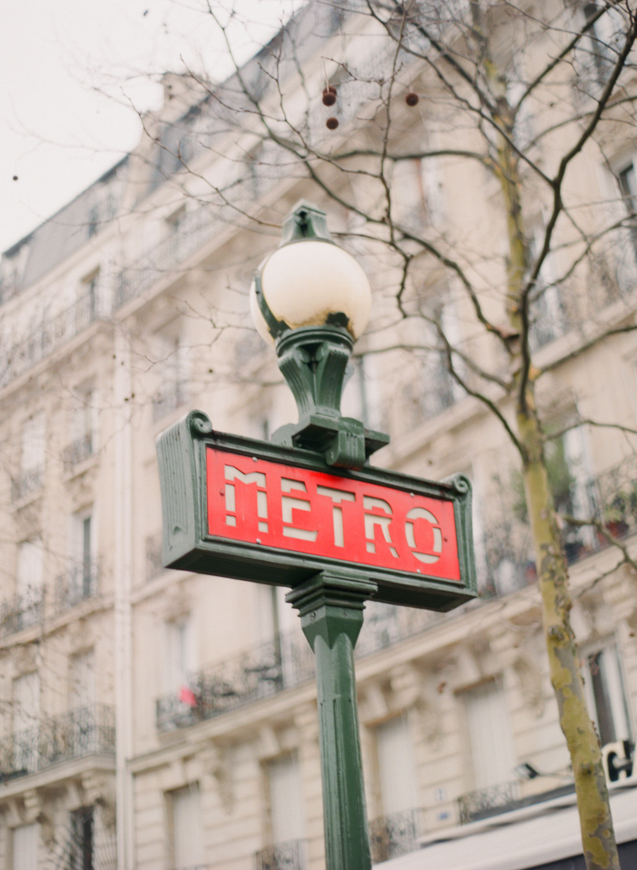 Alea Lovely's American Guide to Paris