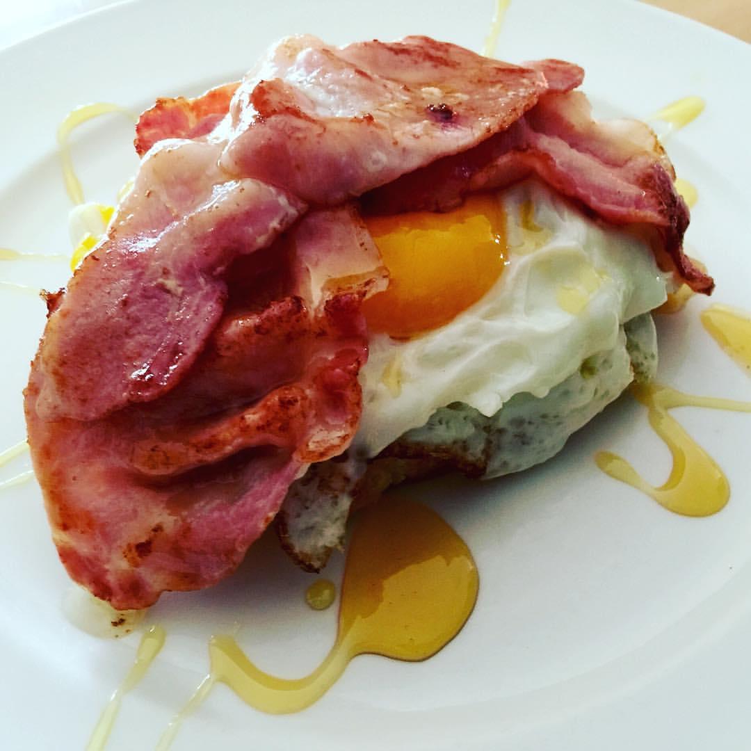 Open-faced Waffle Breakfast Sandwich 😋#mattlearnstocook #food #breakfastsandwich #delicious #thedreamerdinesin  (at London, United Kingdom)