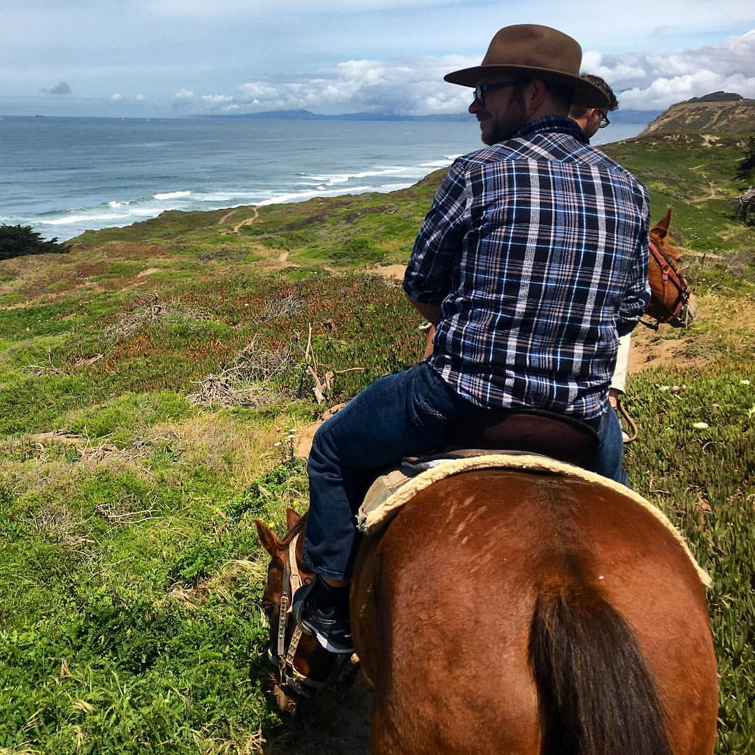 First time horseback riding! #travel #learnbydoing #california #usa #horses #newexperiencesinfamiliarplaces (at Mar Vista Stables)