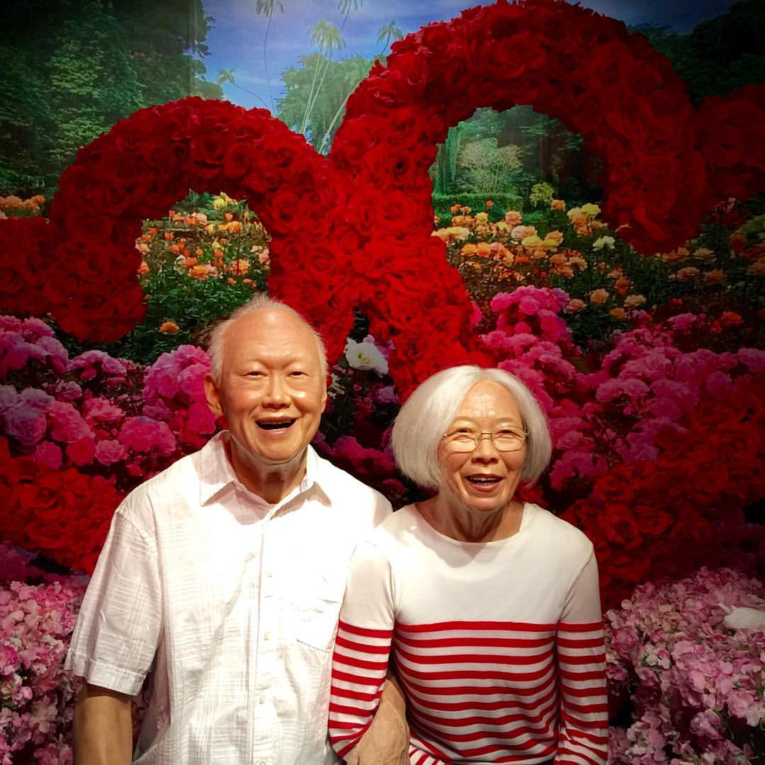Wax museums aren't normally my thing, but seeing this exhibit of former Singapore prime minister Lee Kuan Yew and his wife Kwa Geok Choo makes me smile every time :) It's as if you're able to observe a beautiful frozen moment that is so much more meaningful than the typical Tussauds fare. #happyvalentinesday #singapore #madametussauds  (at Madame Tussauds Singapore)