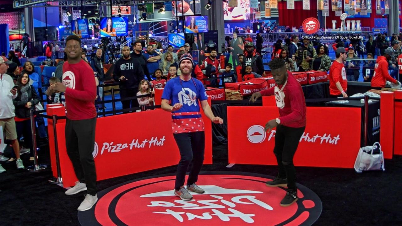 Pizza Hut Super Bowl Augmented Reality.jpg