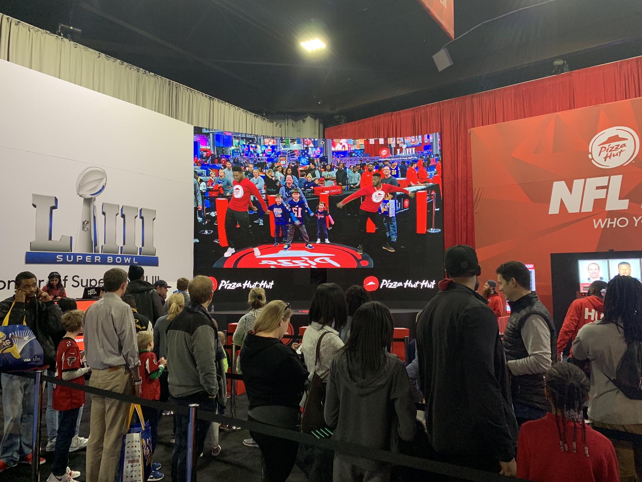 Pizza Hut Super Bowl Augmented Reality Screen.jpeg