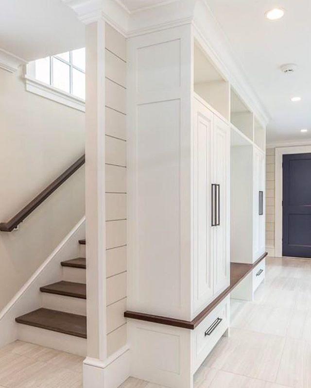 Mudroom from a little while back #woodworking #millwork #cabinetmaking #interiordesign #kitchendesign #interiors #boston #cambridge #wellesley #newton #weston #brookline #finewoodworking #finehomebuilding