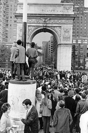 Washington Square Park in the 1960s [ Credit ]