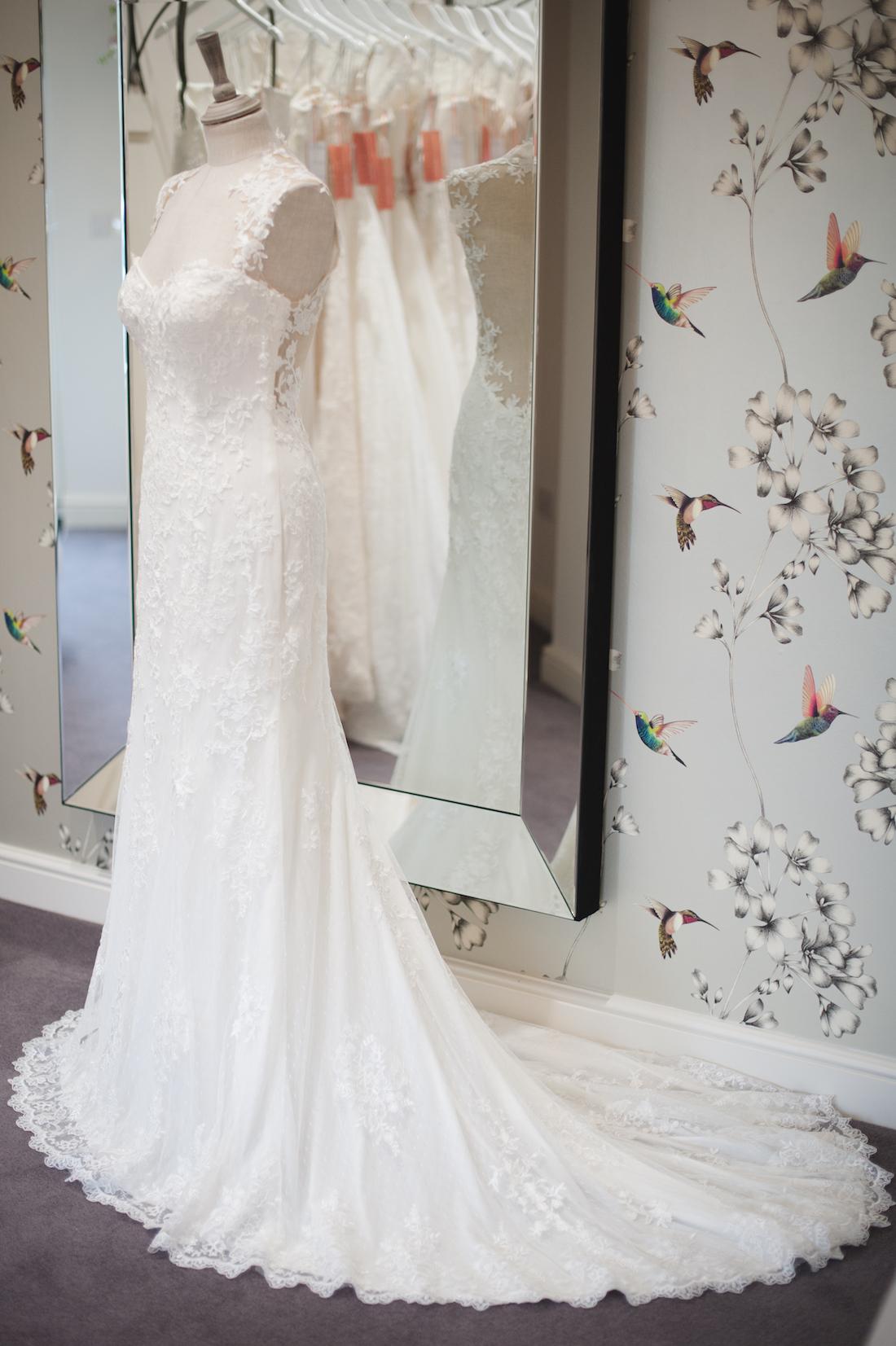 vintage wedding dresses.jpg