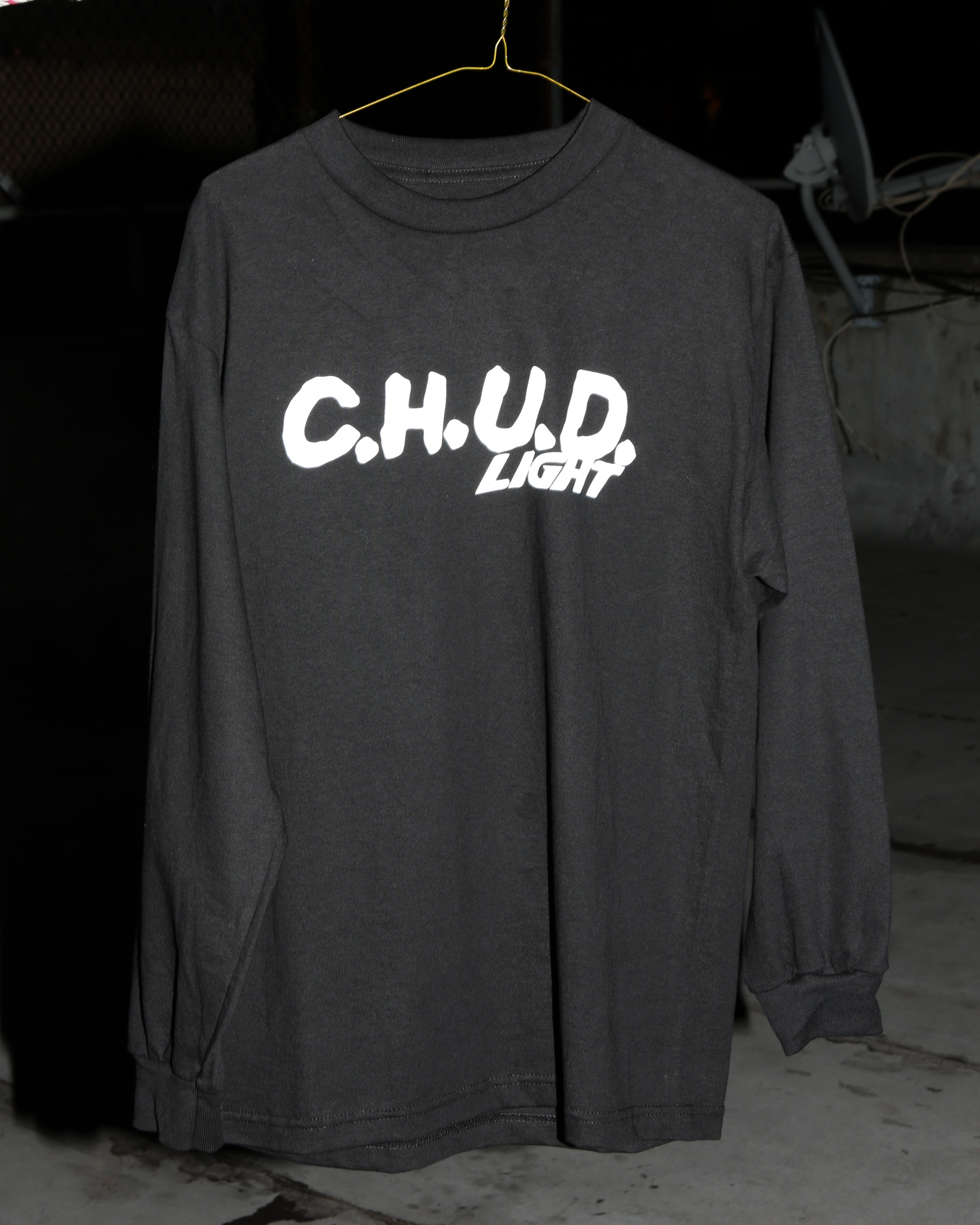 ---- CHUD LIGHT LONGSLEEVE T ------
