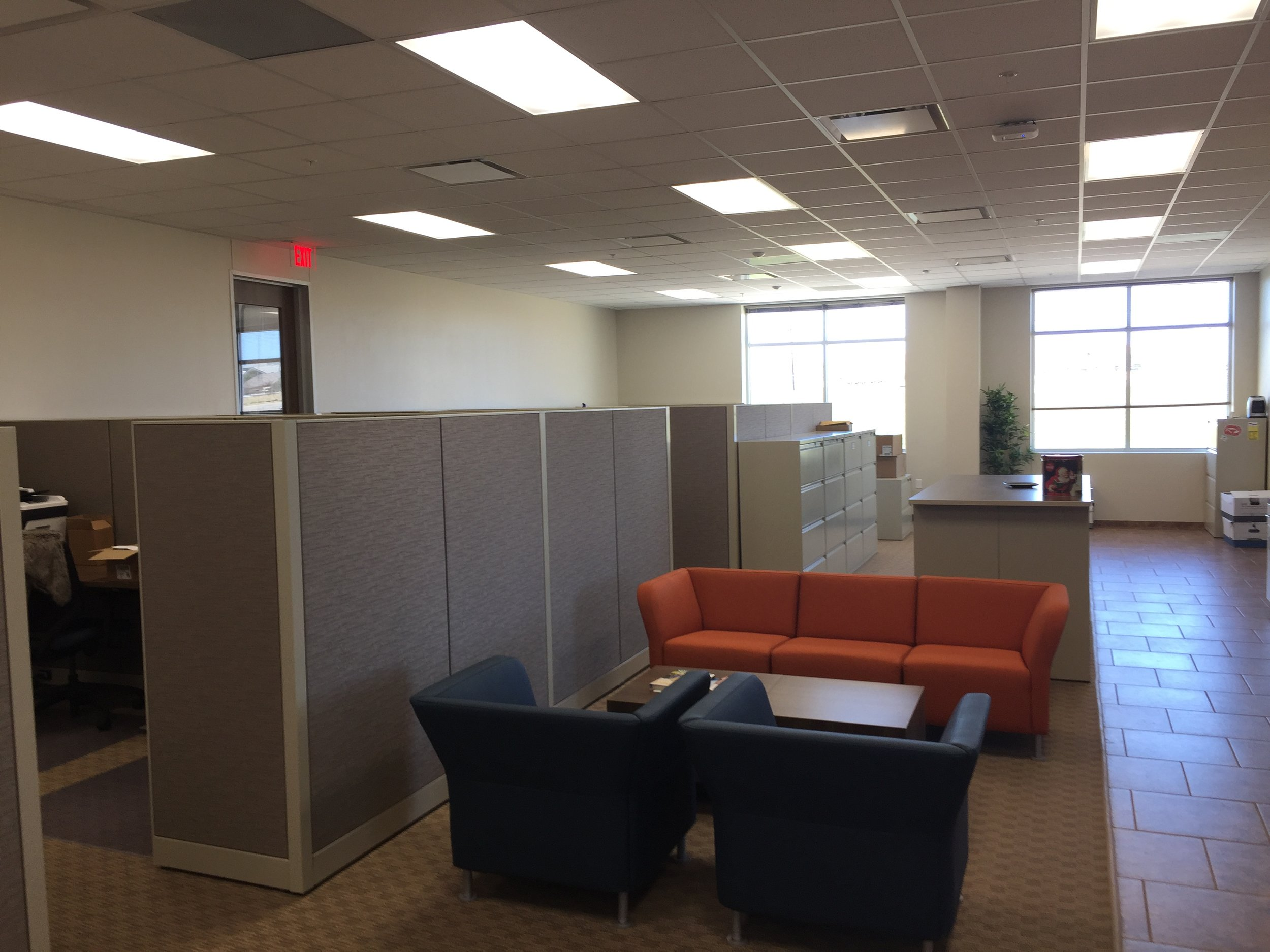 office cubicles (2).JPG