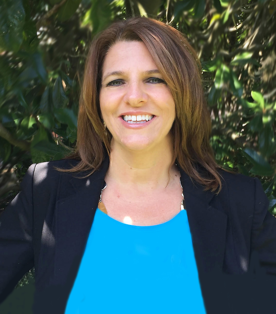 Marie, the jack of all trades, has a background in child psychology, human resources and cosmetology. Although she comes from such a diverse background, Marie found herself very passionate about the service industry. She has worked in Food and Beverage for the Radisson Hotel, Walt Disney World, and Interlachen Country Club. Marie serves as the right-hand for many of our event designers. Marie is committed to using her deep understanding of the industry to create beautiful, flawlessly executrix events to Arthur's. An Indiana girl, Marie enjoys going to the beach, cooking with her kids, and listening to live music. She is the mother of two boys and is their biggest cheerleader at all their concerts and sporting events.