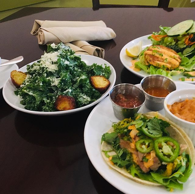 Ready for lunch?  Come in and enjoy one of our $10 lunch combos. #mockingbirdkitchenfayetteville #lunchtime🍴 #lightlunch