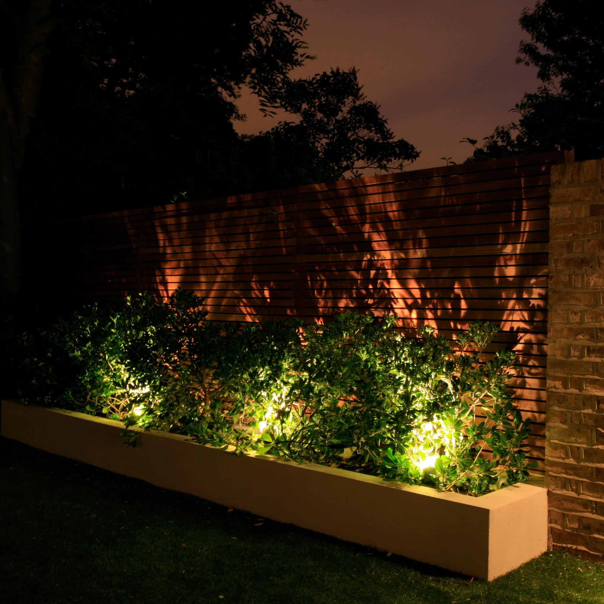Sian Baxter Lighting Design - exterior example - www.sianbaxterlighting.com