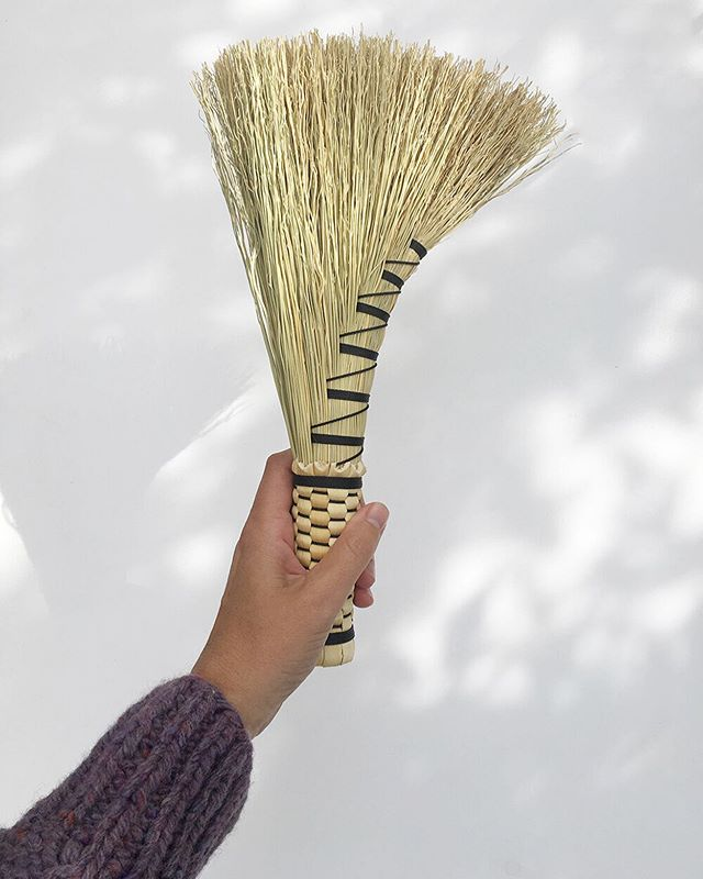 I love when a moment that could be considered a chore turns into a moment of beauty and contemplation. That is what these brooms made by @stringcreekcrafts have done for me. Sweeping is now an art. Available now in the shop 💫 _ _ _ #zerowaste #allnaturalhome #earthyelegance #plasticfree #madebywomenartisans #madebywomen #zerowastehome