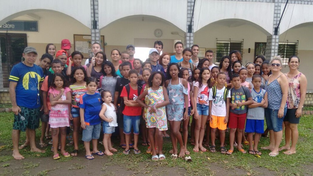 The teachers and students of Lagoa de Itaenga Living Stones